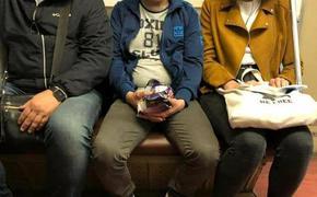 Человек, похожий на президента Украины Зеленского в нашей подземке. Журналисты отыскали двойника и были очень удивлены