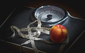 Диетологи назвали помогающие быстро похудеть продукты