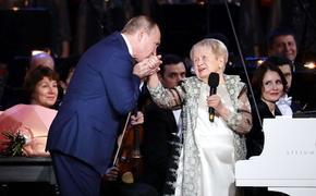 Журналист Караулов раскритиковал организацию юбилея Пахмутовой