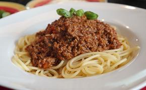 Поздние плотные ужины могут привести к проблемам с сердцем у женщин