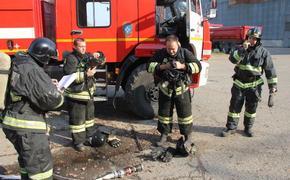 В доме на западе Москвы произошел пожар, двое пострадавших