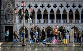 Власти Венеции предупредили о новом подъеме уровня воды