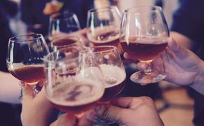 «Тотального запрета быть не должно», – специалист о продаже алкоголя