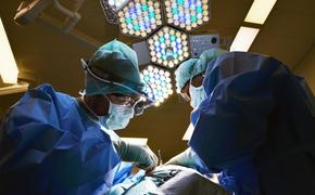 Пенсионерке удалили опухоль весом 15 килограммов