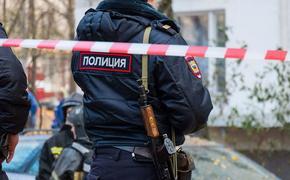 В Ростове ФСБ берет штурмом квартиру, где следователь взял в заложники свою жену