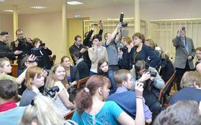 А кто будет нас защищать? Госдума приняла закон, позволяющий лишать адвокатов права представительства в суде