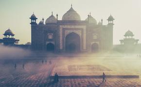 Житель Индии 20 лет ест землю и не болеет