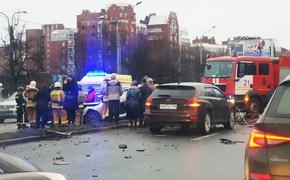 В Сети опубликовали момент аварии в Петербурге с 13 машинами