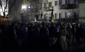 Украинцы разбили палаточный лагерь возле офиса Зеленского