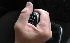 Автоэксперт рассказал, сколько нужно прогревать двигатель машины зимой