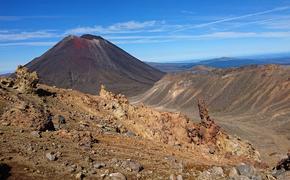 В Новой Зеландии около ста человек находились рядом с вулканом в момент извержения