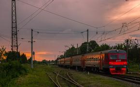 Москва: два человека погибли под колесами электрички