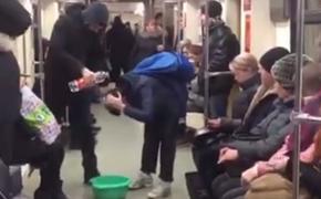 В Казани пранкер помыл голову в метро