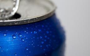 Ученые, наконец, выяснили, как правильно открывать банку пива