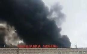 На юге  Москвы локализовали крупный пожар на складе с тканями