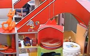 Жительница Подмосковья устроила хостел: гастарбайтеров размещает спать в одной комнате со своими детьми