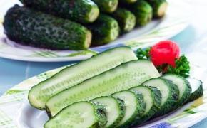 Российским туристам запретили ввозить в Европу овощи и фрукты