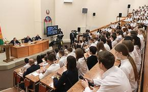 Лукашенко рассказал о своем новогоднем адъютанте