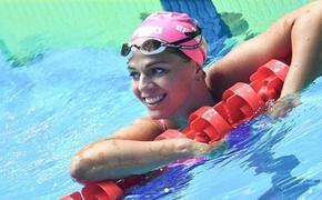 Российская пловчиха показала форму