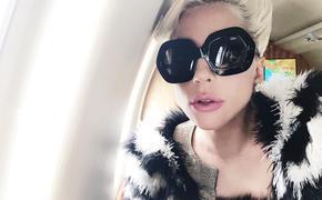 Леди Гага решила родить ребенка в этом году
