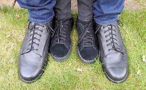 В Германии живет подросток с 57 размером ноги