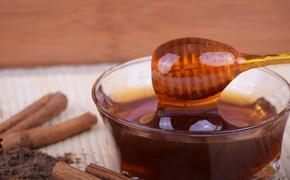 Врач рассказал, действительно ли мёд так полезен