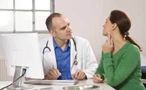 Список первых признаков появления раковой опухоли в горле огласили специалисты
