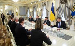 Зеленский обсудил с американскими сенаторами расширение помощи США  Украине