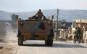 Турция отправила на границу с Идлибом 300 военных грузовиков