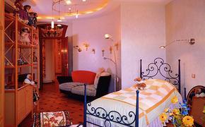 Андрей Сорока выставил на продажу в сети унитаз и новую двухспальную кровать
