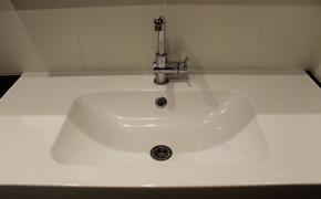 В ВОЗ прокомментировали возможность заражения коронавирусом через воду из-под крана