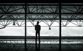 В аэропортах Москвы возвращающихся из-за границы встречает специальная оперативная группа