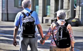 Каждый пятый пенсионер в Москве не соблюдает меры предосторожности