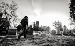 В похоронной службе сообщили: скончавшихся от коронавируса людей будут хоронить в закрытых гробах