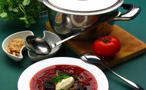 Как в Италии русских врачей борщом накормили