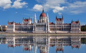 Еврокомиссия опасается, что в Венгрии зарождается диктатура