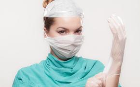 Врачи предупреждают: хирургические перчатки - не лучший способ обезопаситься от коронавируса