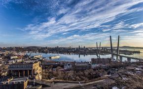 Священники с молитвой против COVID-19 обошли Владивосток на катере