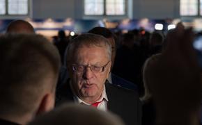 Жириновский рассказал, что нужно сделать для компенсации нехватки медработников