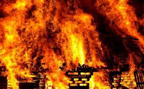 Дом престарелых загорелся на западе Москвы, внутри полсотни пожилых людей