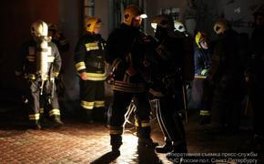 В Петербурге на пожаре погибли рэпер Роман Алексеев и его мама