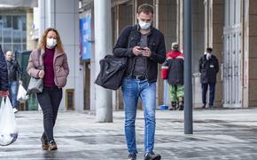 Власти Москвы объяснили, кому по-прежнему запрещено выходить на улицу