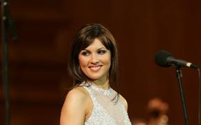 Анна Нетребко дала совет, как не набрать лишние килограммы