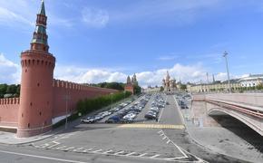 В Кремле надеются, что к Параду Победы ограничительные меры будут отменены