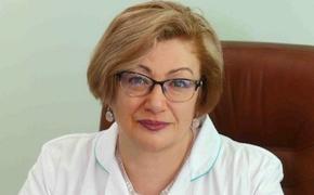 Главврача инфекционной больницы Калуги, заболевшую коронавирусом, перевезли в Москву