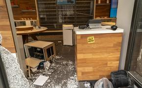 Очевидцы раскрыли подробности о беспорядках в США: «Мирные протесты превратились в разрушительные беспорядки»