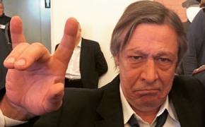 Адвокат Пашаев назвал «полнейшим бредом» появившиеся в Интернете предположения о стратегиях защиты Ефремова
