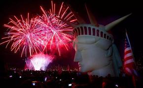 День Независимости: битва продолжается. В США до сих пор идут протесты, а вместе с ними распространяется коронавирус