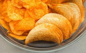 Диетолог рассказала, можно ли есть чипсы и при этом не вредить здоровью