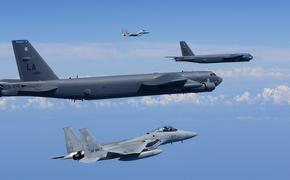 Почему бомбардировщики B-52 ВВС США отрабатывают ядерные удары по России?